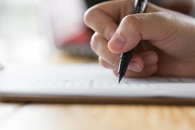 استراتژی های موفقیت در بخش لیستنیگ آزمون آیلتس ( سوالات چهار گزینه ای )